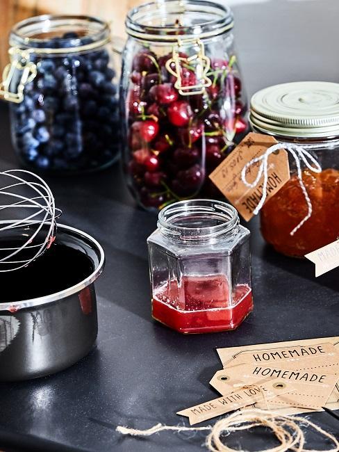 Nahaufnahme von Marmelade selber machen