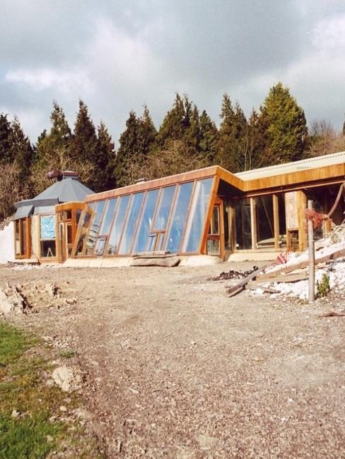 Earthship im Bau