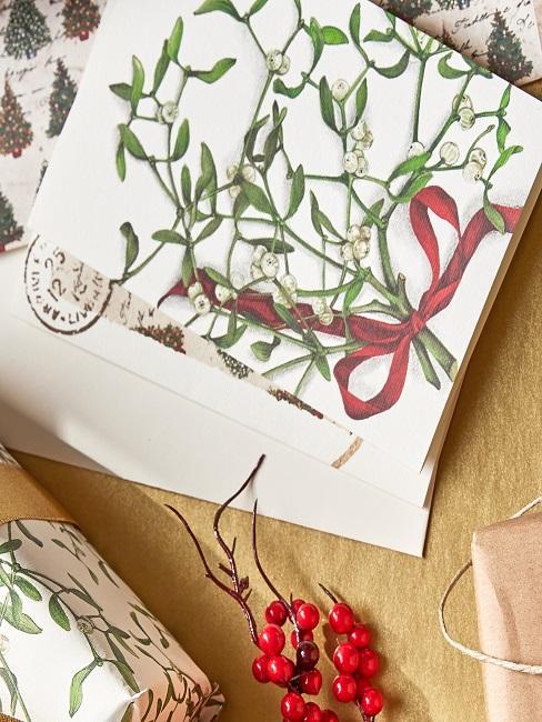 Weihnachtskarten gestapelt aufeinander