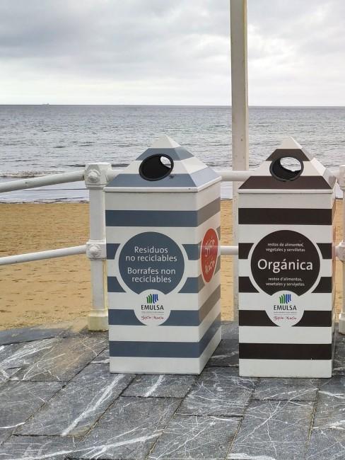 contenedores en la playa