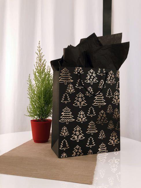 paquet cadeau Noel sobre, de couleur noire