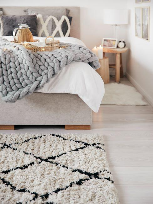 cocooning, tapis moelleux, plaid grosse maille gris,