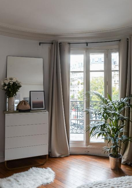 chambre spacieuse avec balcon dans appartement trendy de Dressingleeloo