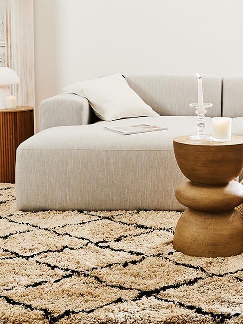 canape blanc et tapis moelleux