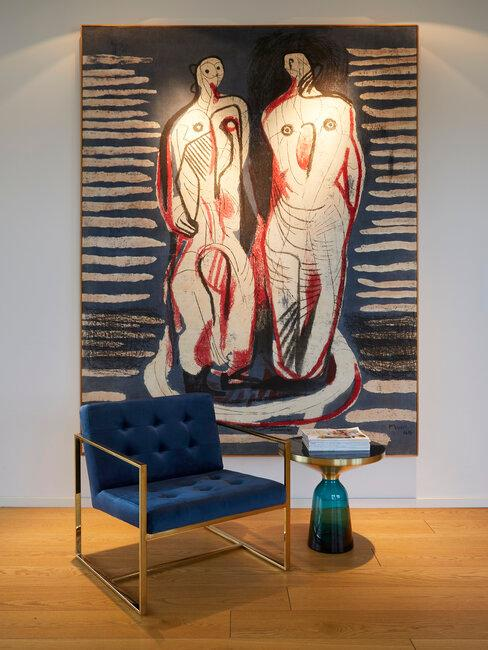 Poster ophangen woonkamer in moderne interieurstijl