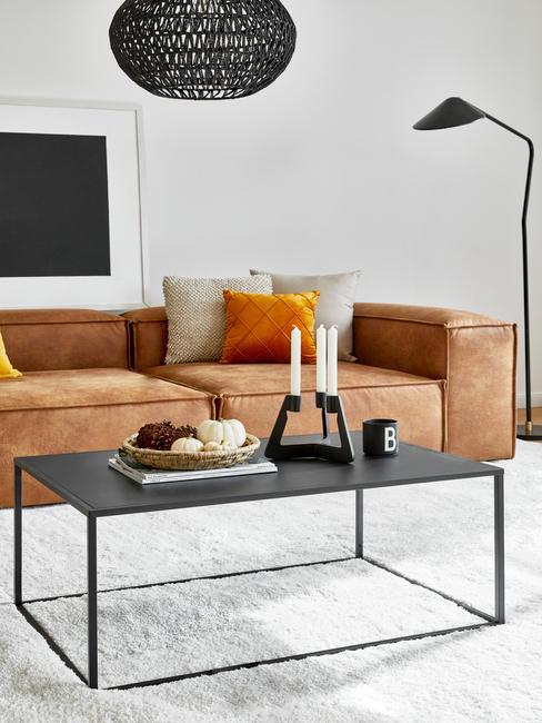 Cognac lennon sofa met zwarte bijzettafel