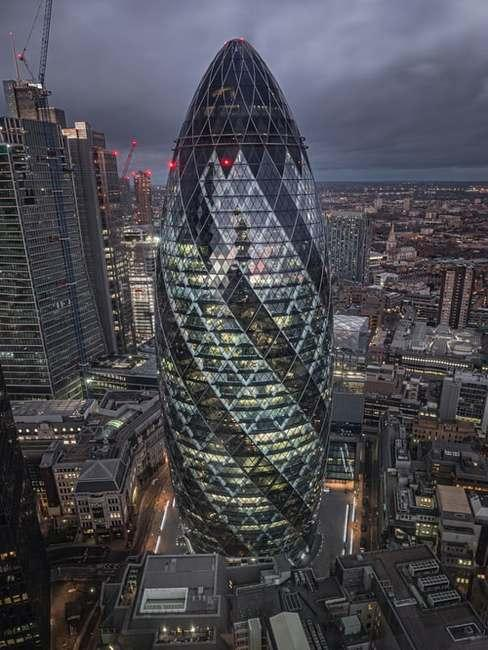 Norman foster design 30 St Mary Axe