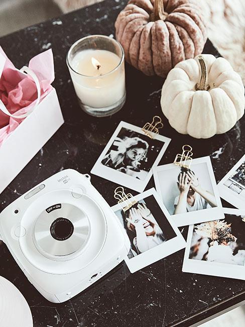 Polaroid ze zdjęciami