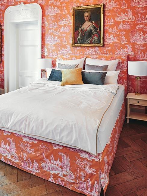 sypialnia w pomarańcziwe wzory w stylu pałacowym