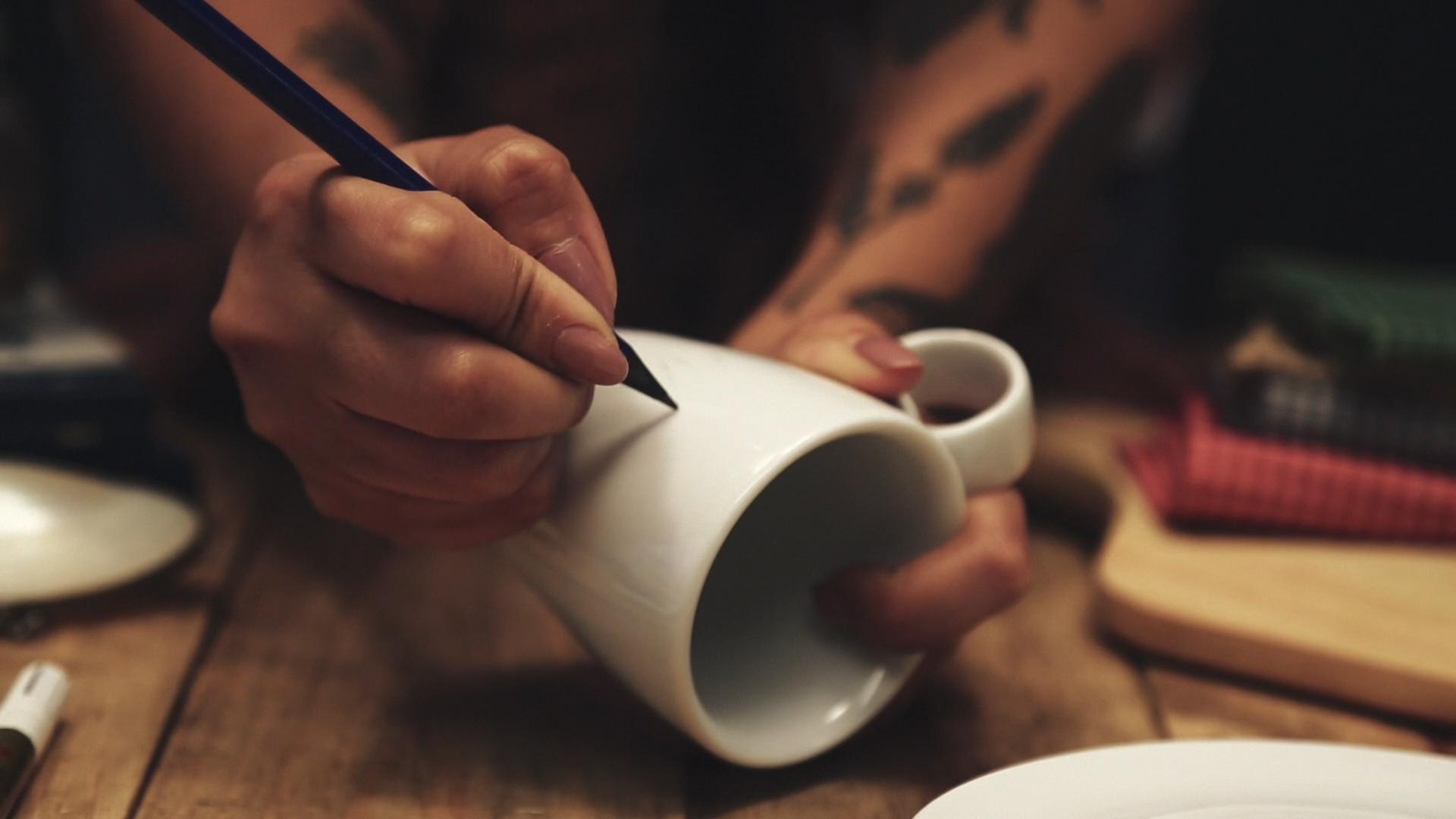 Einen Entwurf mit dem Bleistift vorzeichnen...