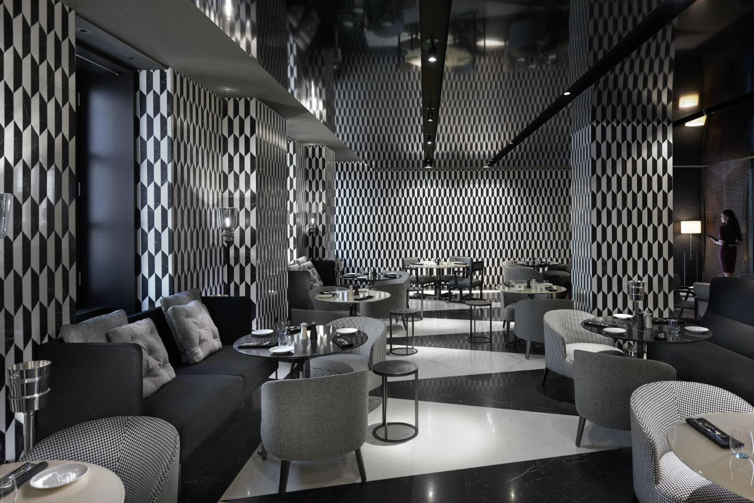 Mandarin Bar - Bistro Area