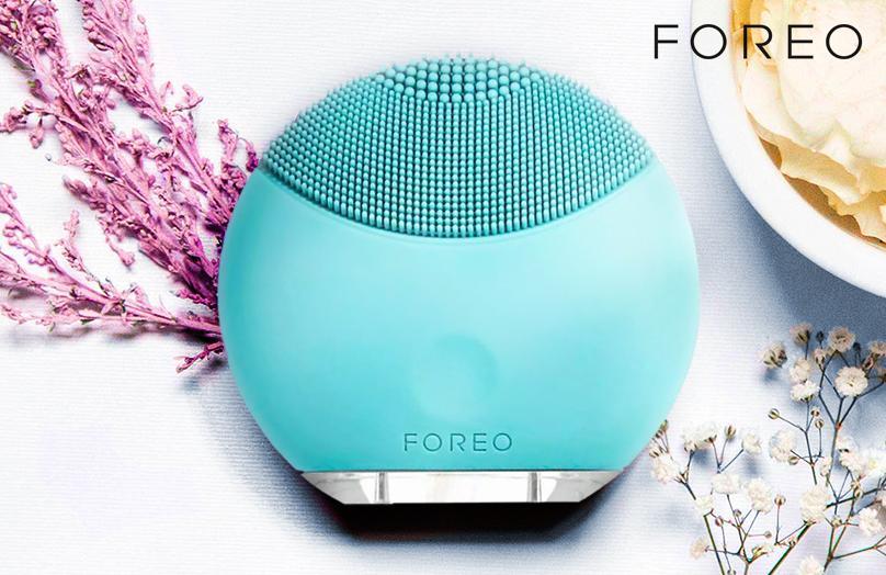 FOREO LUNA mini - La Spazzola Elettrica Compatta per la Pulizia del Viso