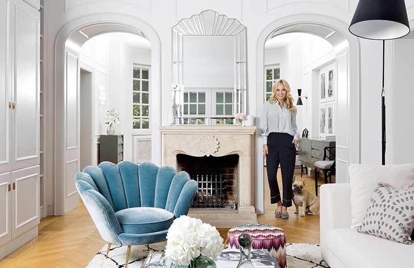 Z wizytą u Delii Fischer –  apartament w stylu feminine glam
