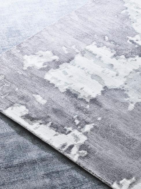 Alfombra de lujo en tonos grises