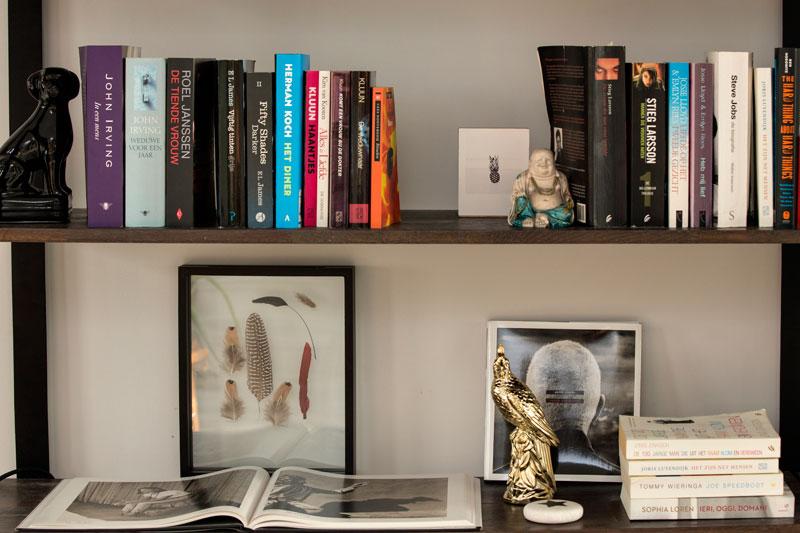 Odette Simons Bücherregal Bilder