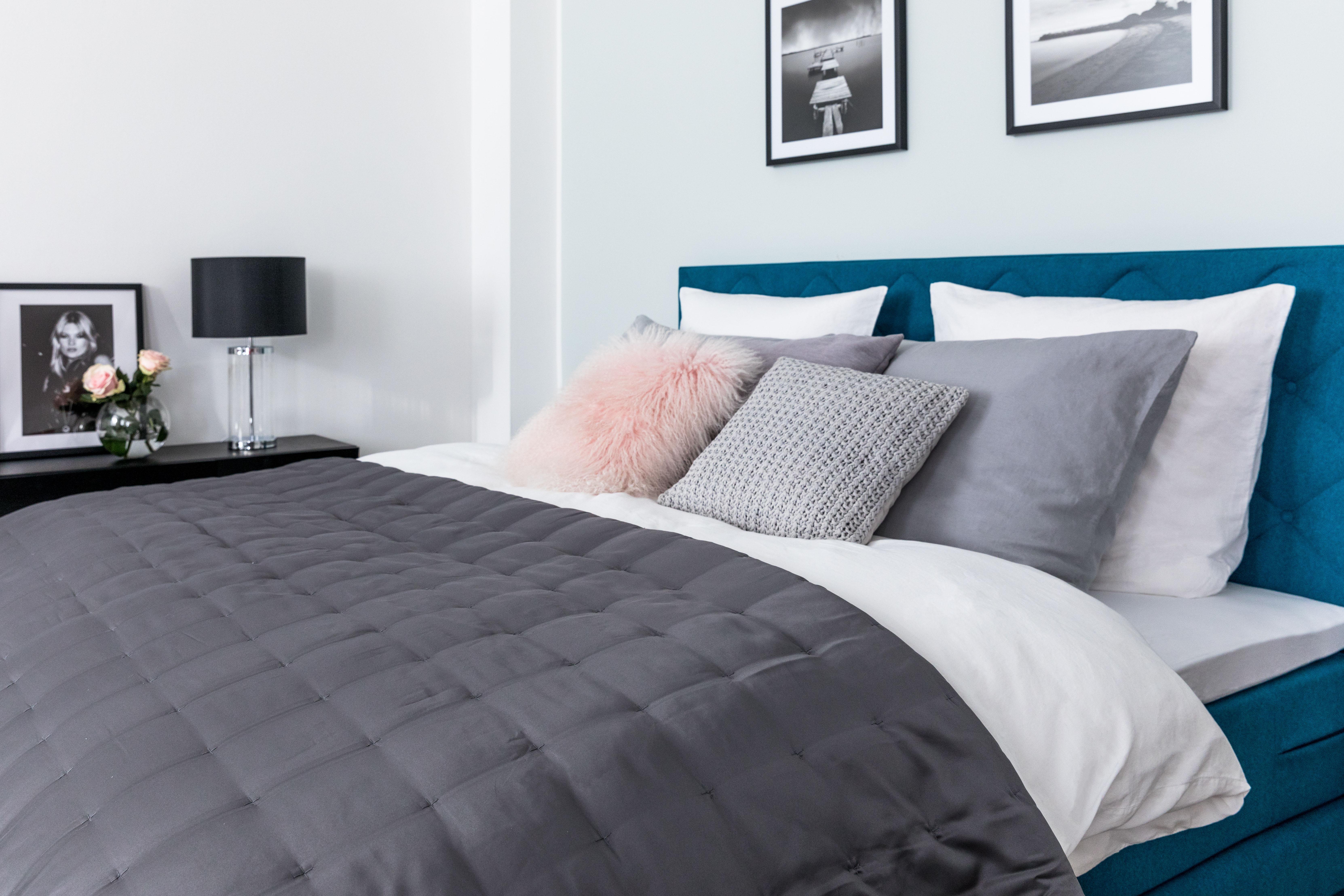 kontinentální postel jak vybrat topper