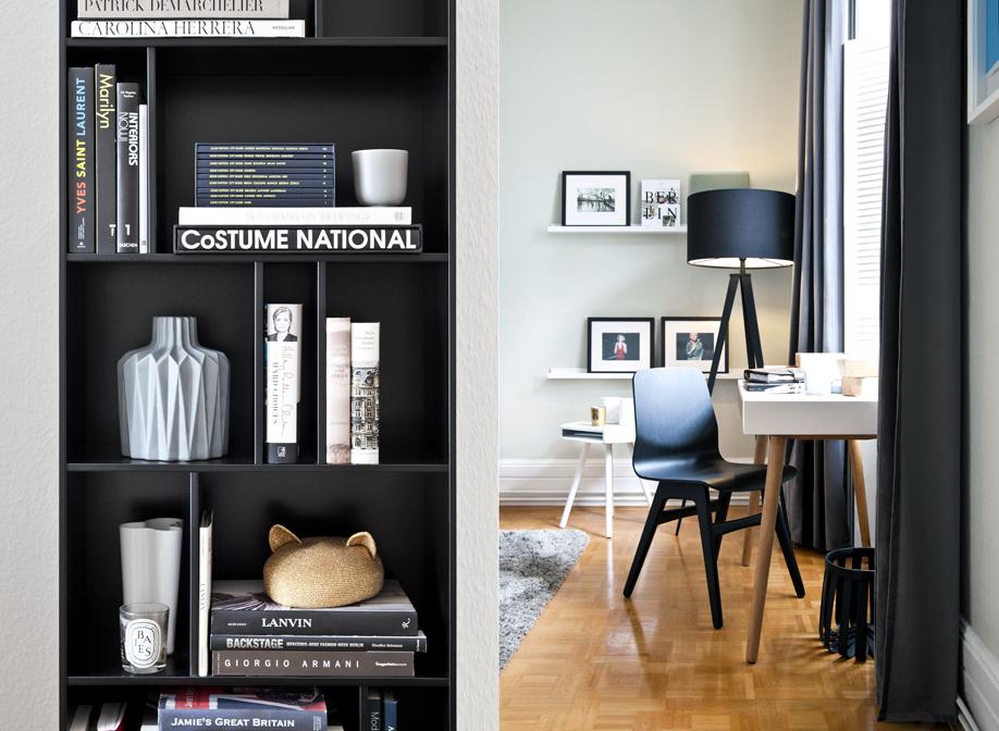 černobílý interiér retro styl