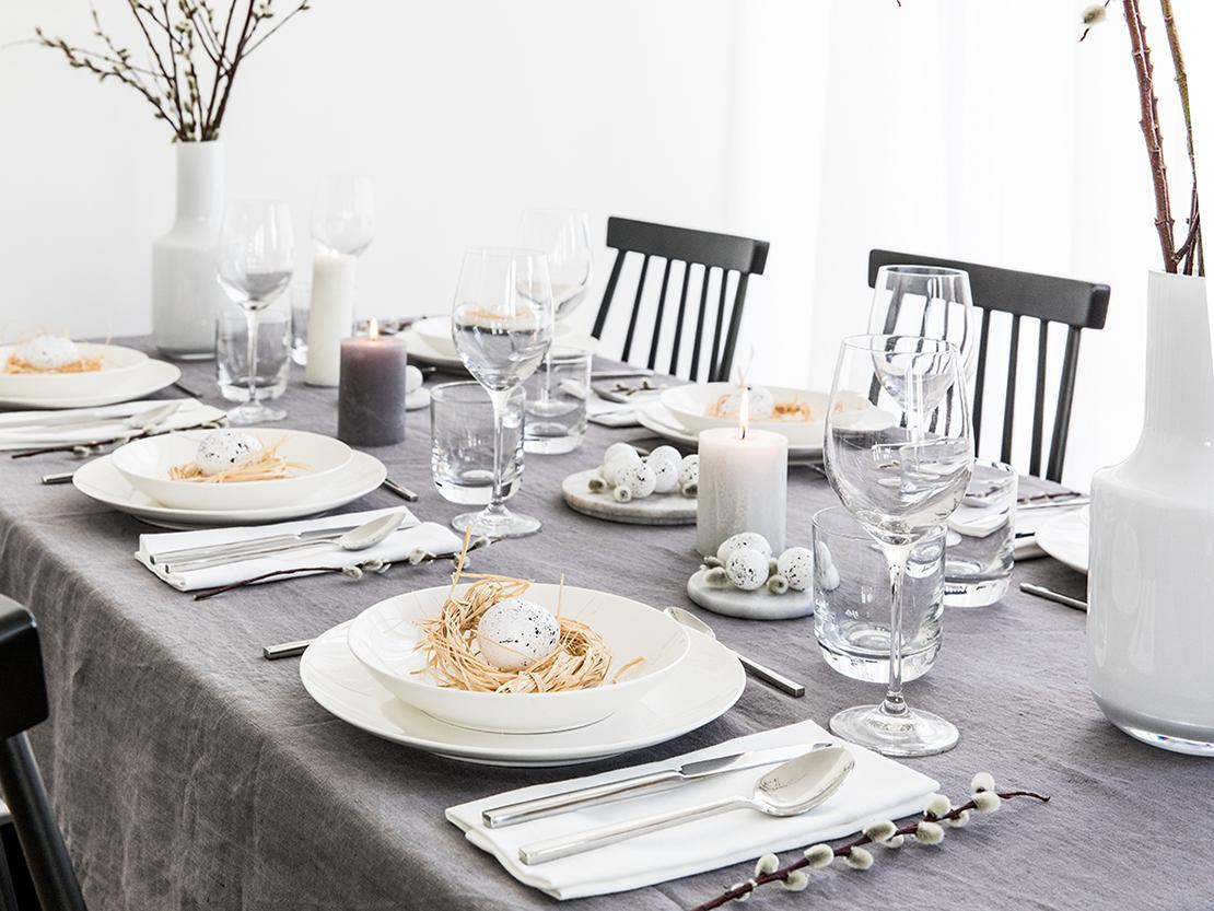 velikonoční stůl šedé velikonoční prostírání