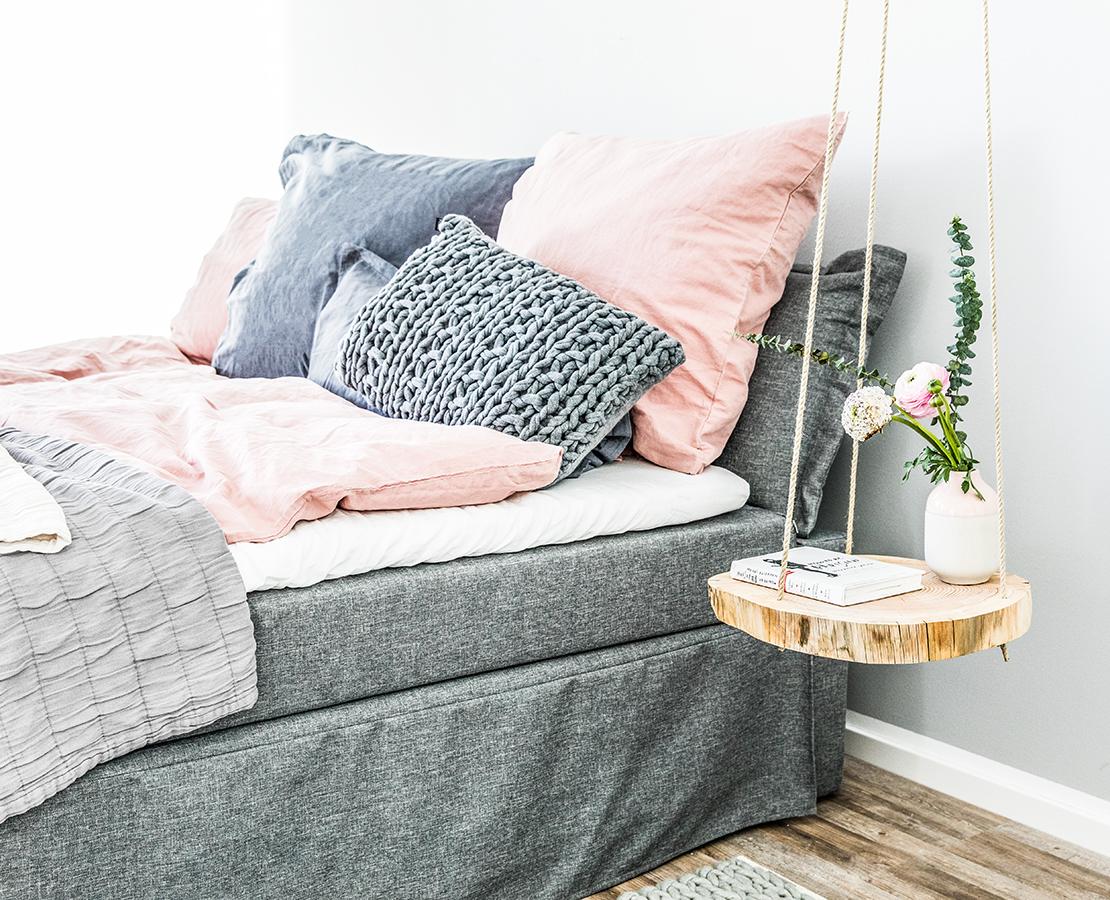 DIY dřevěný závěsný noční stolek skandinávský