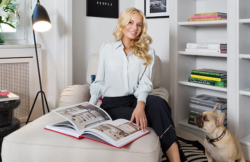 Na návšteve u Delie Fischer – apartmán v štýle feminine glam