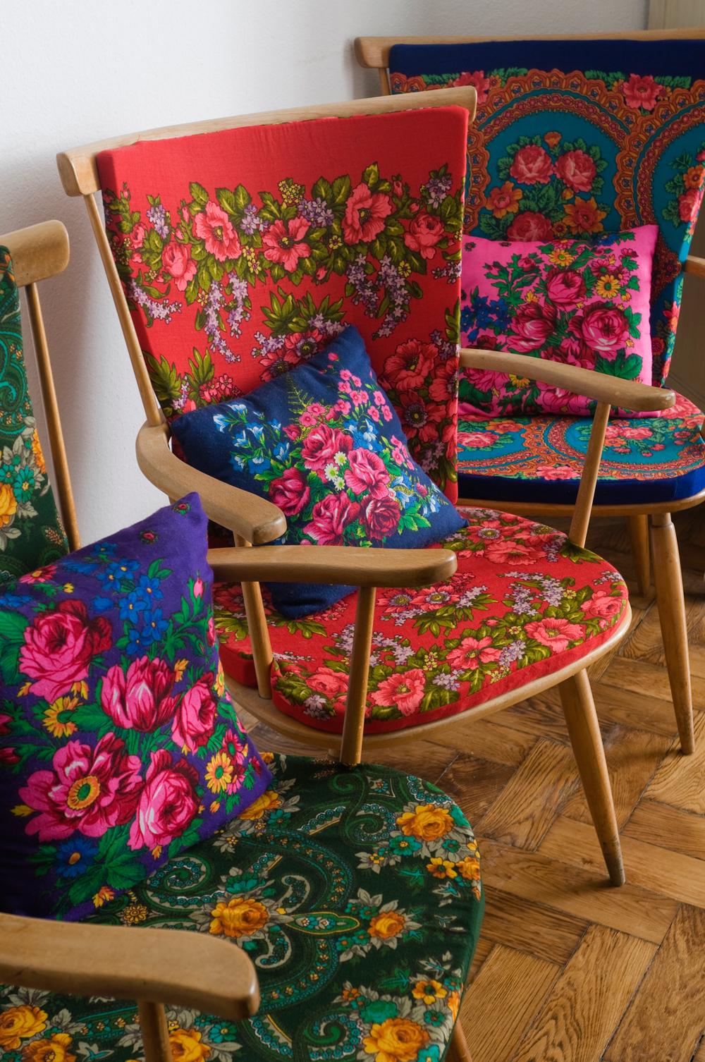 Kreationen Stühle