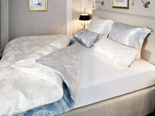 In vier Schritten zum perfekt gemachten Bett 3
