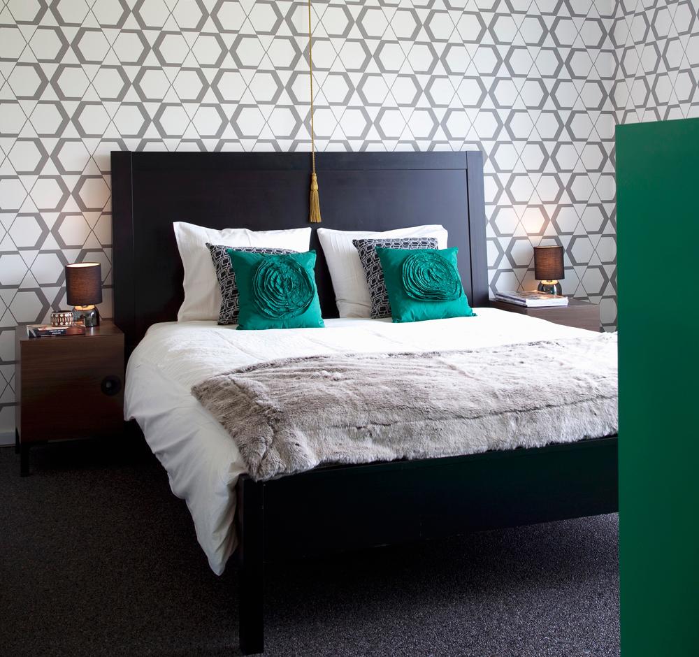 Schlafzimmer Smaragdgrüne Akzente