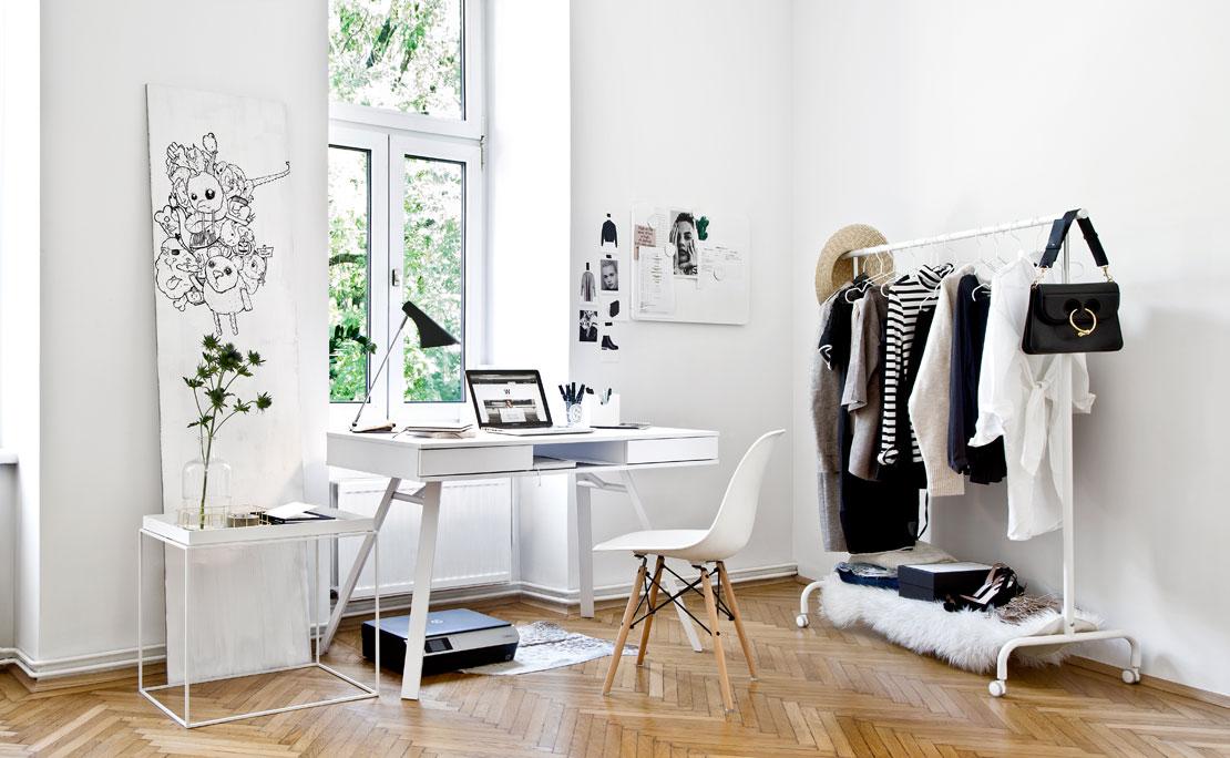 Westwing-Hausbesuch-Carola-Pojer-Vienna-Wedekind-Arbeitszimmer-Schreibtisch