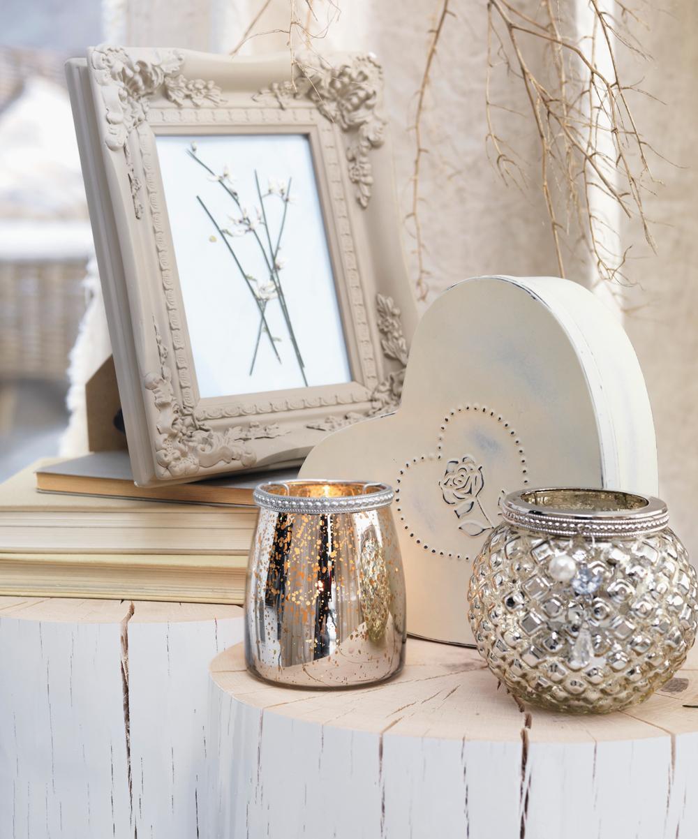 Weiß und Silber