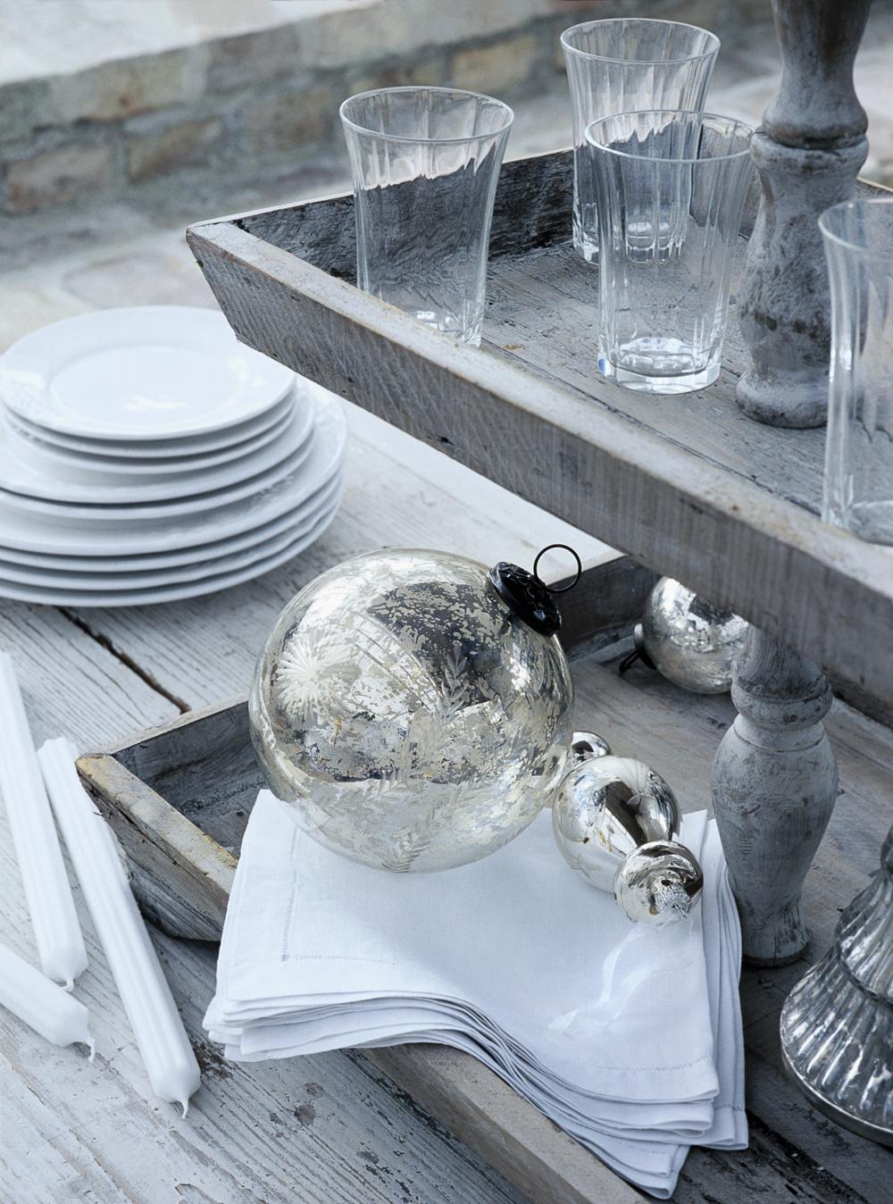 deko tipp etagere westwing magazin. Black Bedroom Furniture Sets. Home Design Ideas