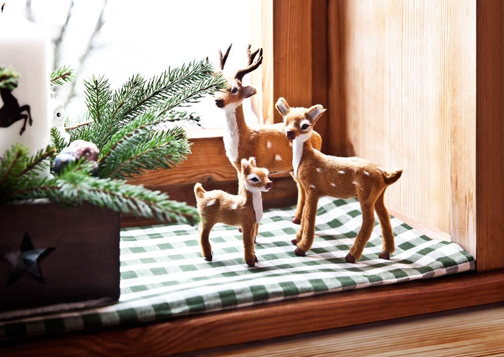 Weihnachtliche Deko in Tirol auf der Hütte