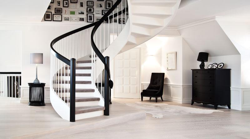 Leben mit Hund Treppenaufgang