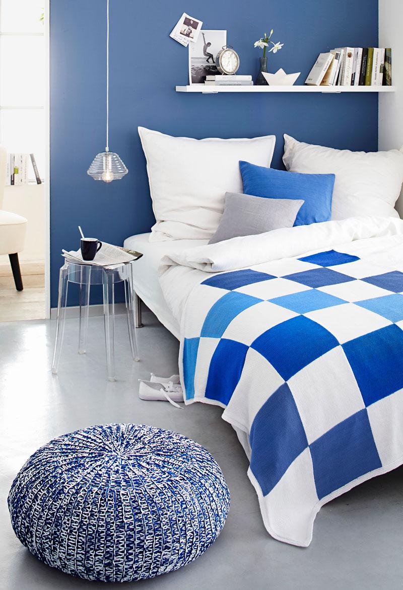 Delia Fischer Muster Bett Blau Decke