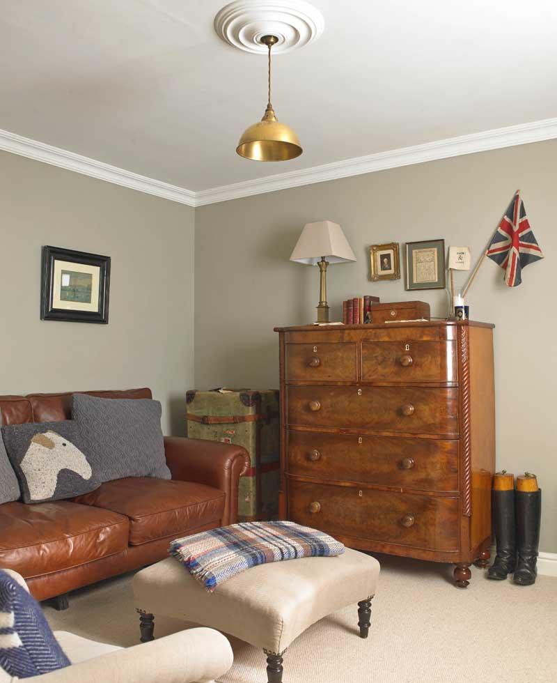 Landhaus-Charme Arbeitszimmer mit Sofa