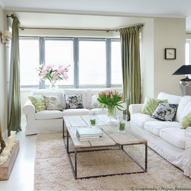 Frühlingshafte Wohnzimmerecke