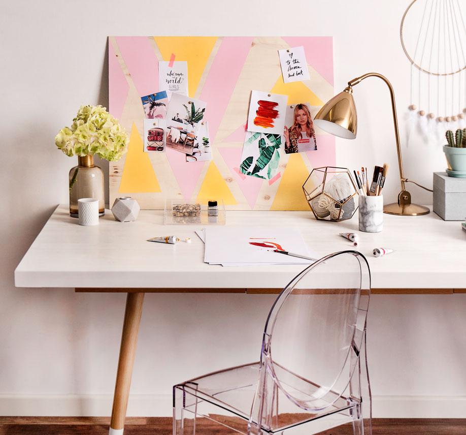 Westwing-DIY-Pastell-Pinnwand-Schreibtisch
