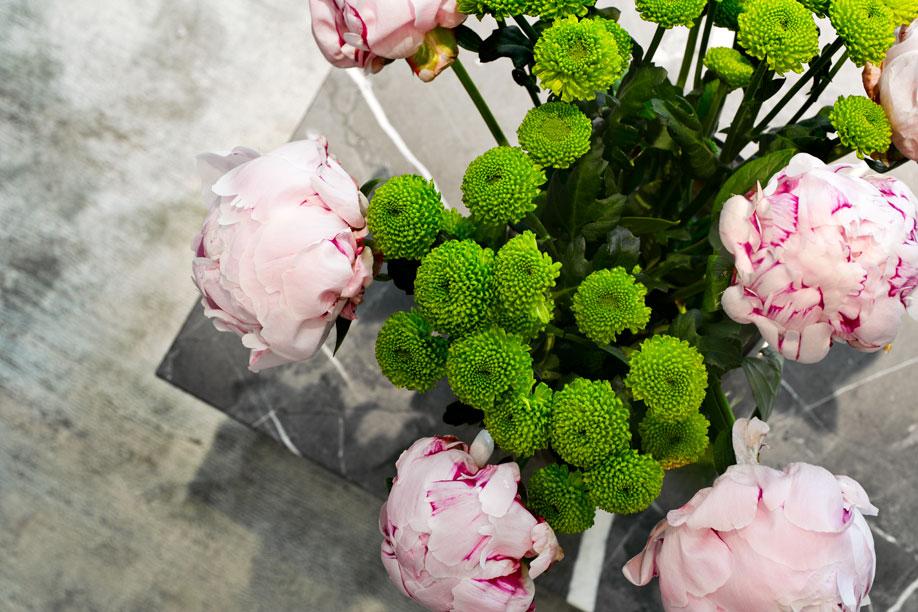 Westwing-Hausbesuch-Leo-Mathild-Blumen