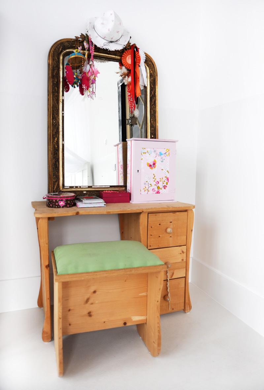 Tipps fürs Kinderzimmer Tisch mit Spiegel Prinzessin