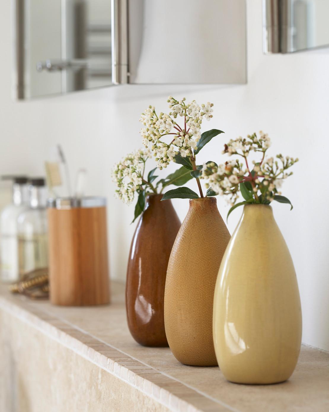keramik-vasen-in-erdtoenen