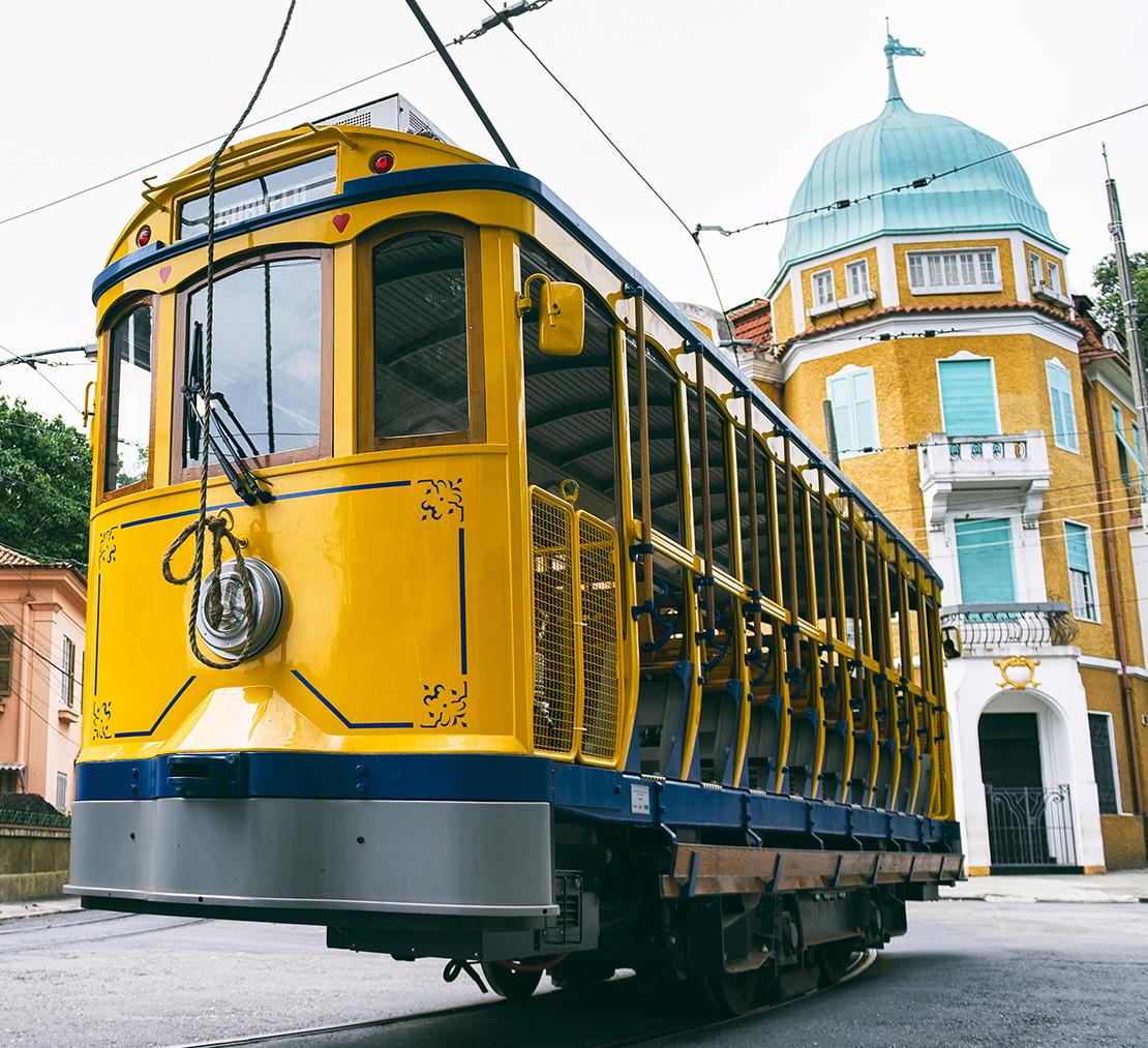 westwing-santa-teresa-tram-gelb