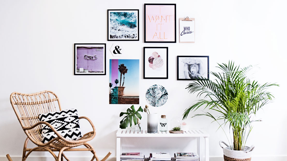 so h ngen sie ihre bilderwand auf westwing magazin. Black Bedroom Furniture Sets. Home Design Ideas