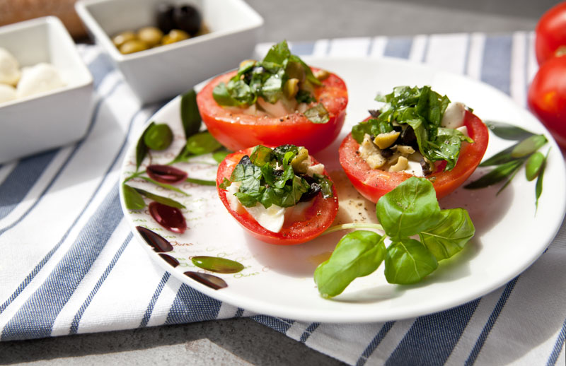 Caprese Snack Gefüllte Tomaten Rezept Westwing