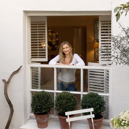 modisch akzentuiert. Black Bedroom Furniture Sets. Home Design Ideas
