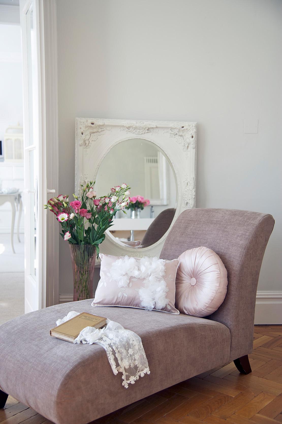 maedchenzimmer-rosa-sessel