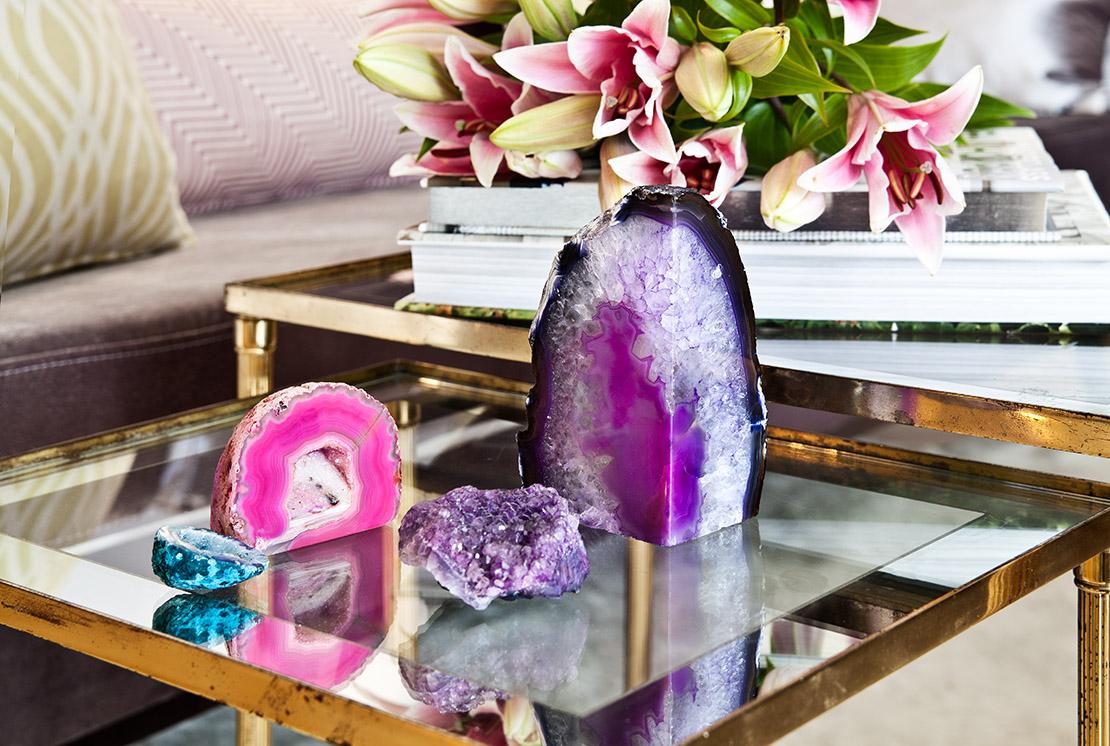 stillleben-mit-pinken-kristallen