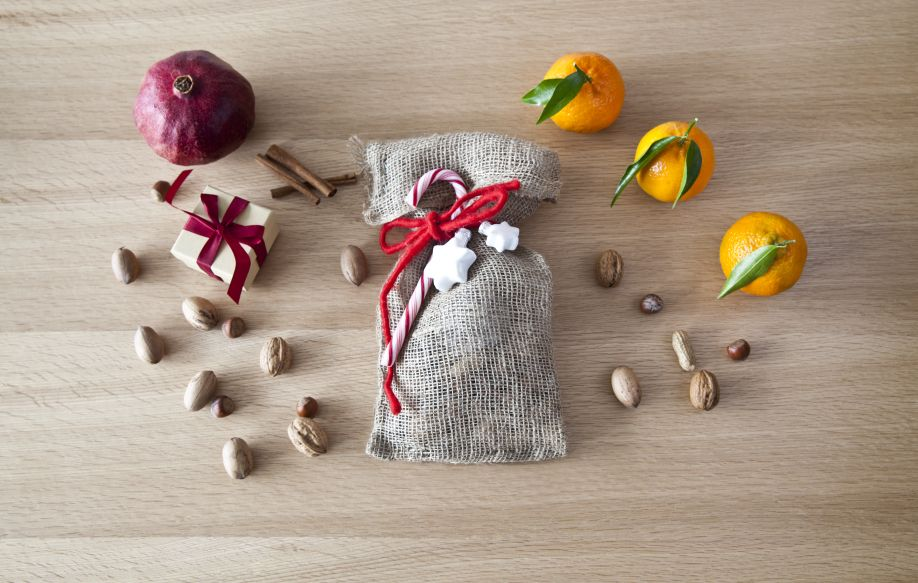 westwing-nikolaus-sack-befüllen