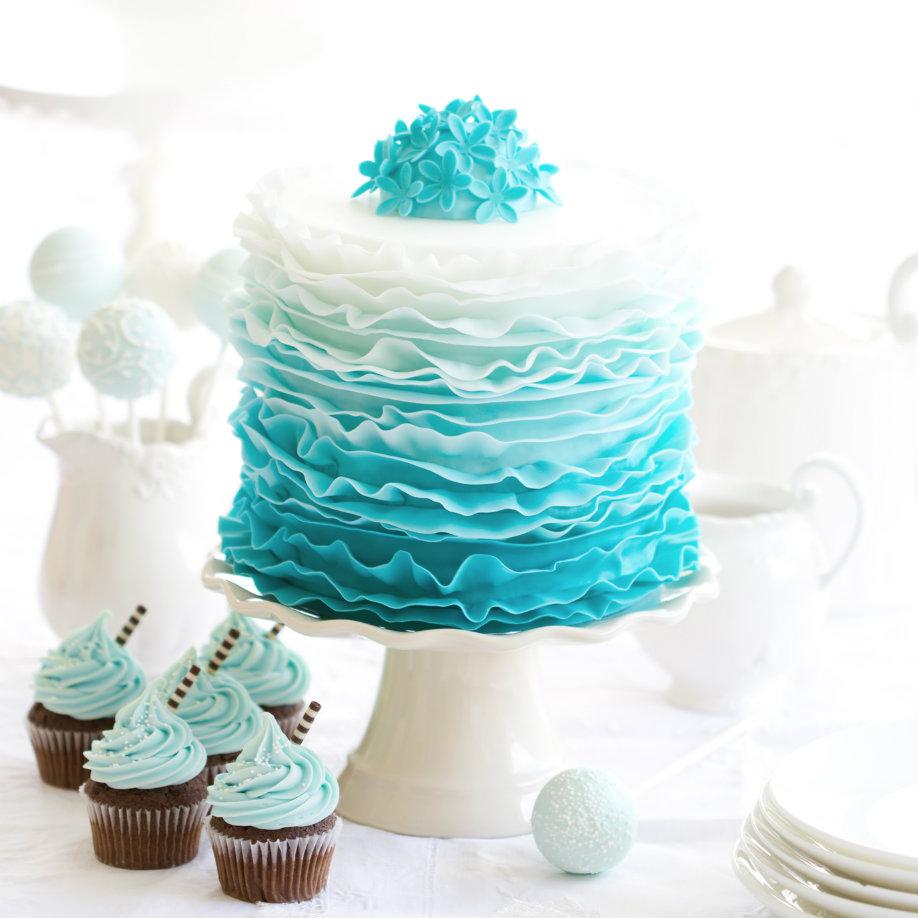 westwing-torte-blau-weiß