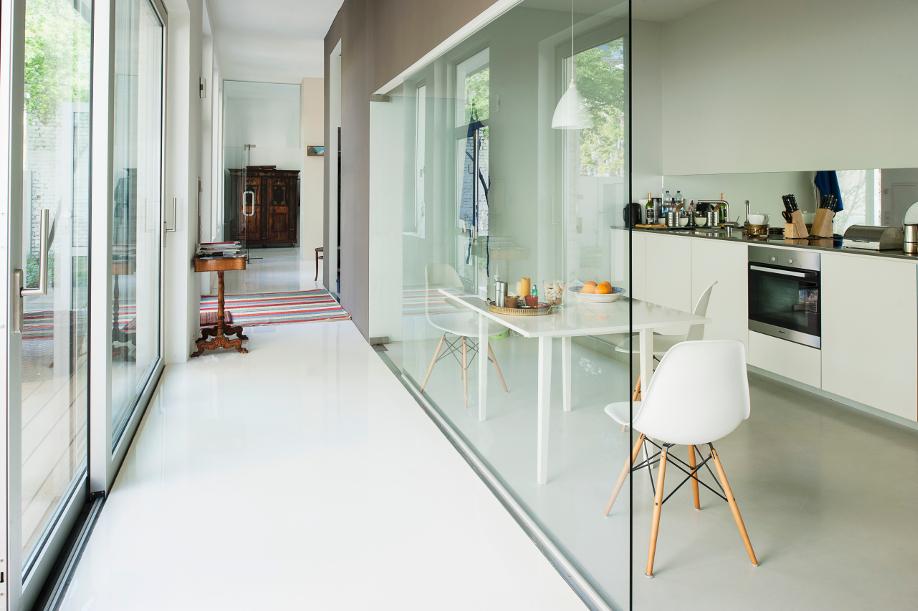 westwing-der-perfekte-flur-glaswand