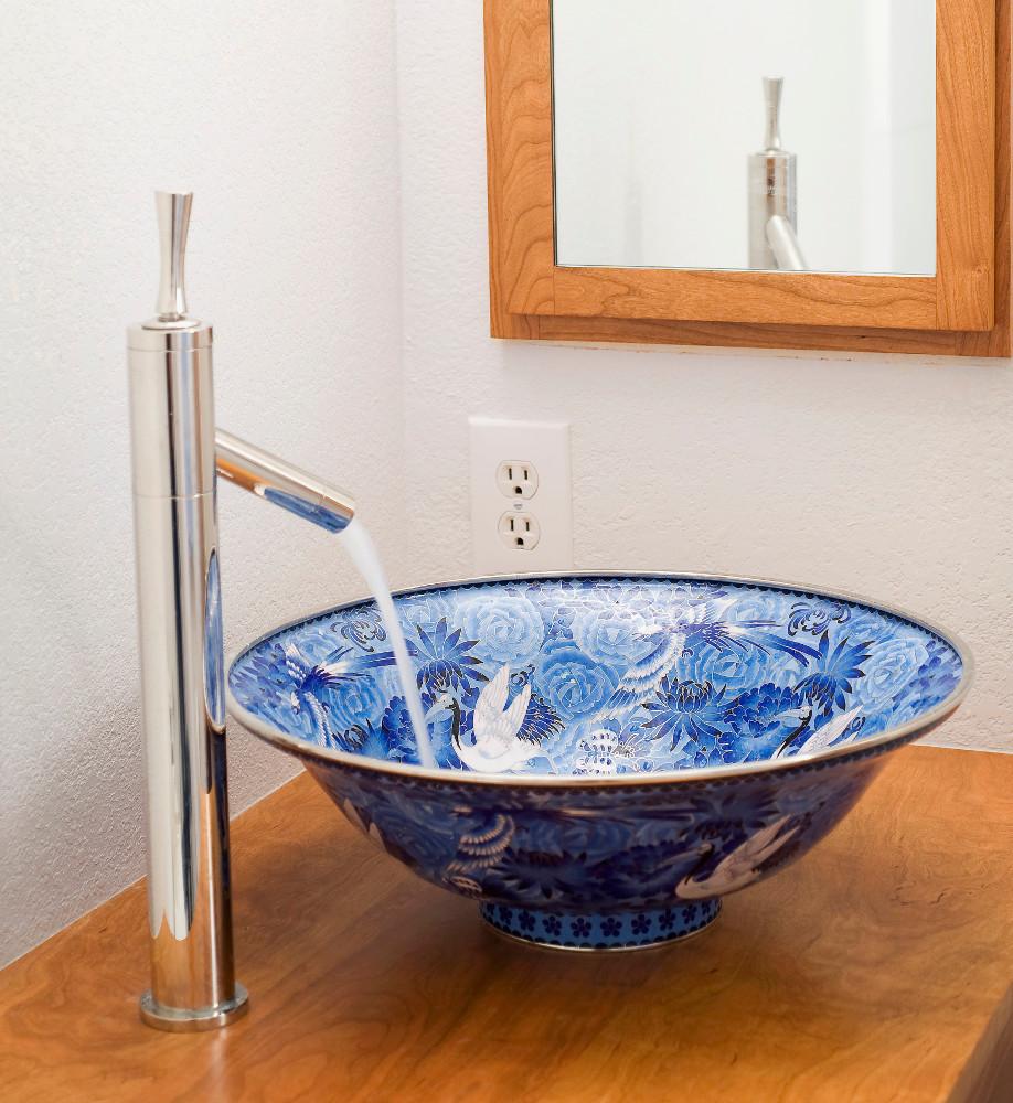 westwing-waschbecken-keramik-blau