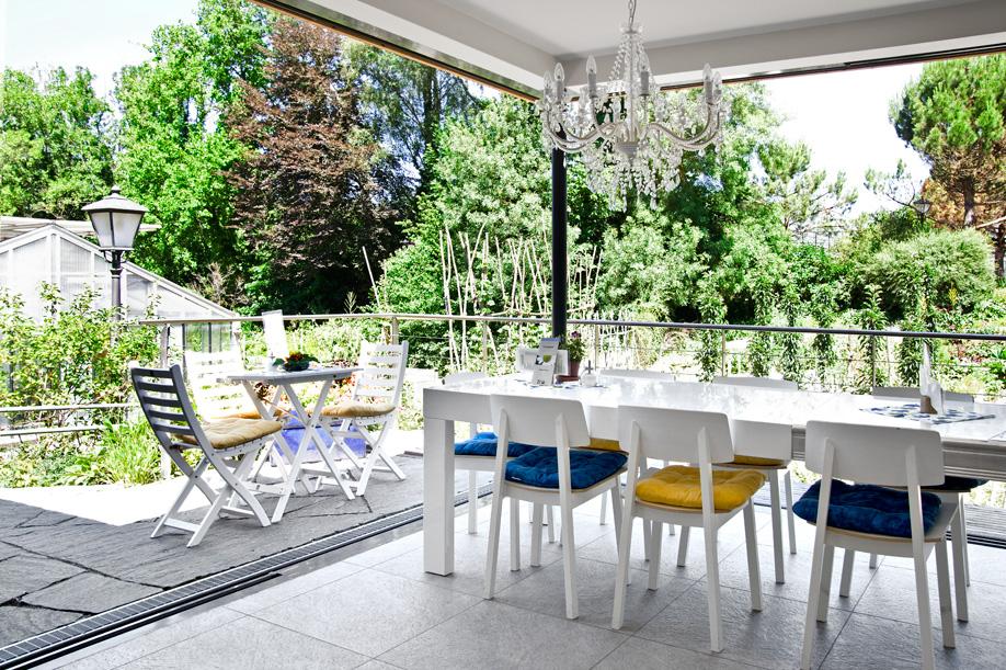 westwing-zuhause-bei-graefin-sandra-bernadotte-terrasse